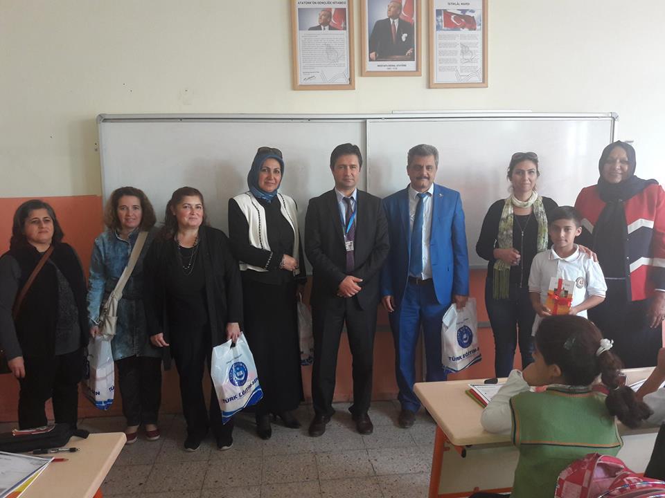 Gazi Mustafa Kemal Ortaokulunda Dünya Çocuk Kitapları Haftası